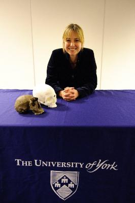 Figure 2 - Doctor Alice Roberts at the book signing event (Image Copyright - Ian Martindale - http://www.ianmartindale.co.uk/)