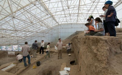 Figure 1: On-site at Çatalhöyük during 2008 excavation season (Image Copyright: Çatalhöyük)